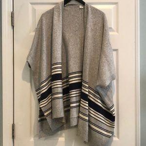 Cozy Gap poncho in heather grey